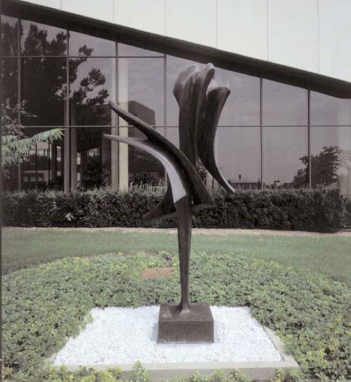 Armonia, or Forme in volo II, 1963-1973, bronze, 310 x 180 x 130 cm. Collection of Northwestern University, Pick-Staiger Concert Hall, Evanston, IL, USA, 1975.