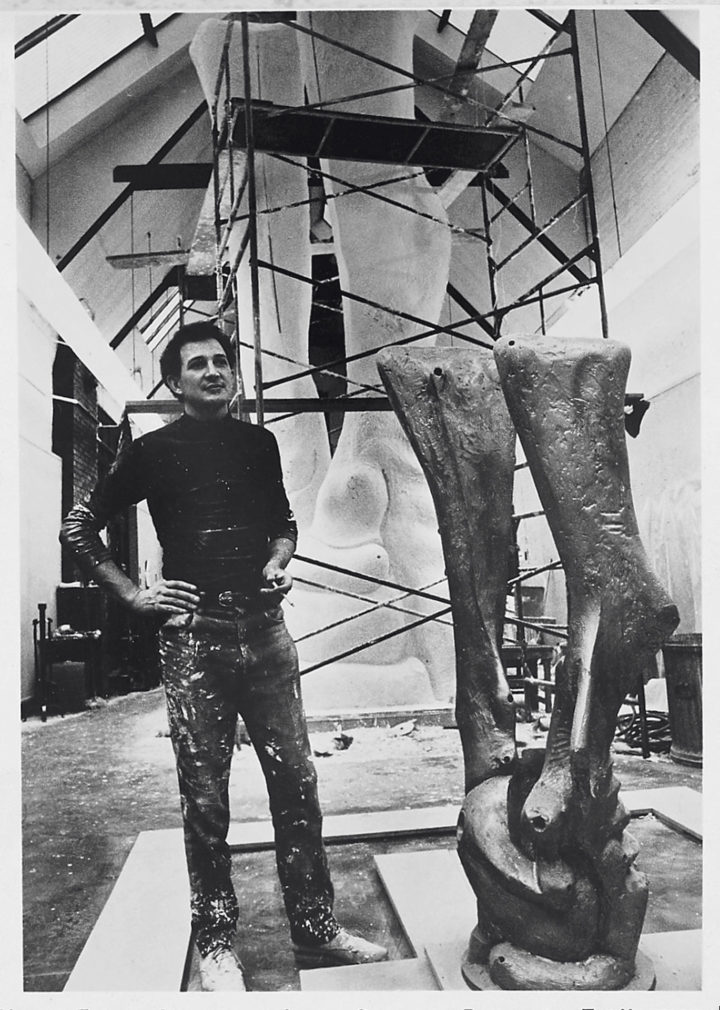 Ferrari with Vita, working model and full-scale sculpture (plaster). Midway Studios, University of Chicago, IL, USA, 1969. Personal photograph.