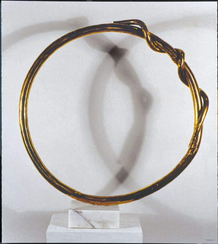 Circle II, 1986, bronze & marble, 62.2 x 54.6 x 14 cm. Private collection.