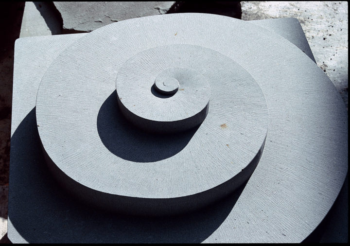 Cristalli in formazione VII (seven elements), 1998–2002, Pietra Serena, 100 x 100 x 100 cm (each).  Collection of the Town of Panicale, Panicale, Italy, 2002.