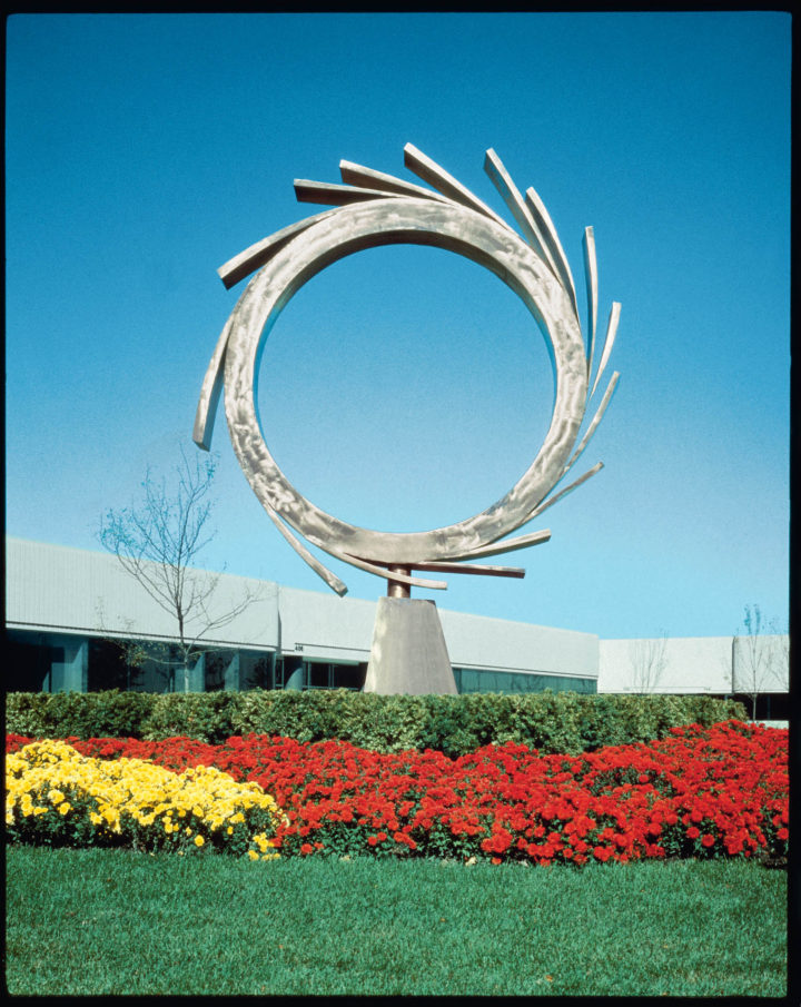 Meteora, 1987, Bronze, 518.2 x 457.2 x 152.5 cm. Collection of Korman Lederer & Associates, Dundee Place Corporate Center, Northbrook, IL, USA, 1987.